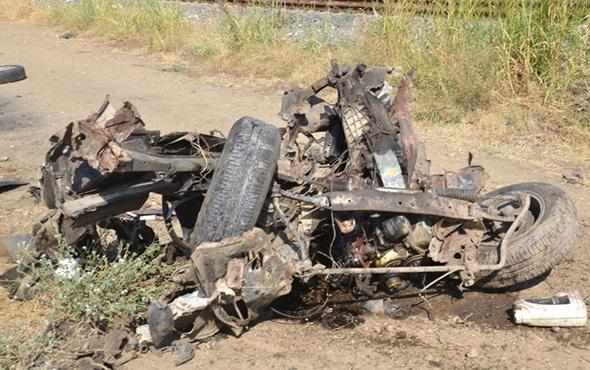 İzmir'de feci kaza! Otomobil ikiye bölündü