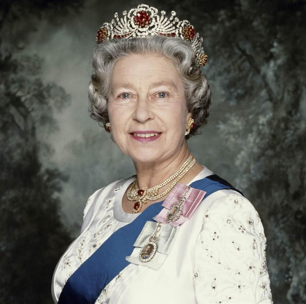 Kraliçe II. Elizabeth Hazreti Muhammed'in soyundan mı geliyor? Bomba iddia!