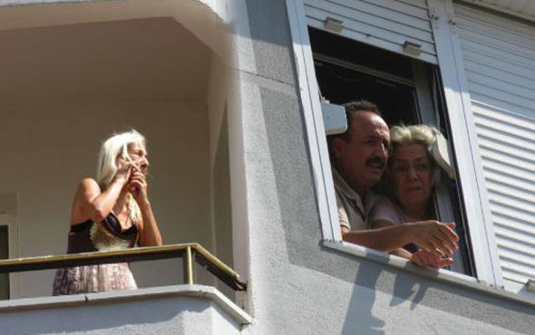 İstanbul'da bu sabah! Korku dolu anlar camlarda balkonlarda beklediler