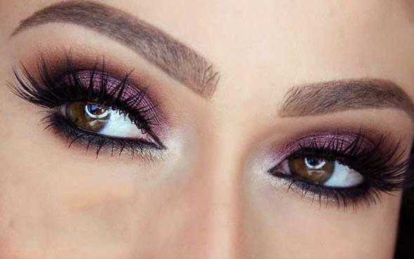 Makyajla gözleri olduğundan büyük gösterme yöntemleri