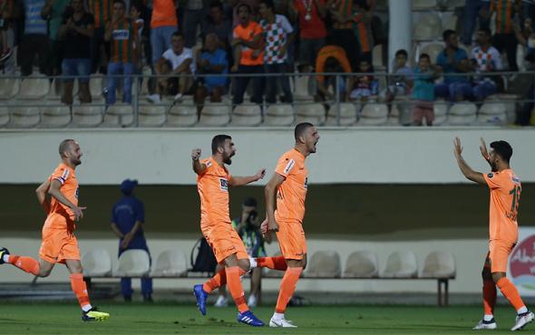 Alanyaspor Trabzonspor maçı fotoğrafları
