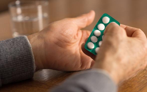 Her gün bir aspirin içenler dikkat! Sandığınız kadar faydalı değil...