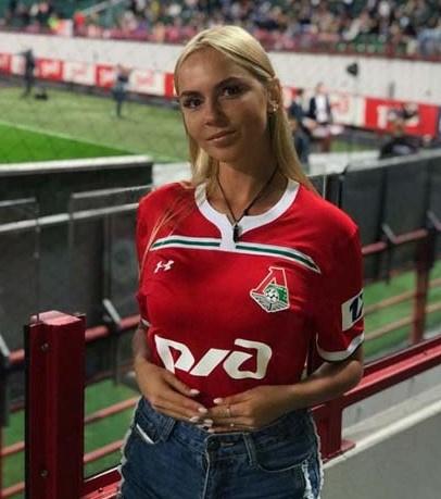 Angelina Kackurkina ile ilgili görsel sonucu