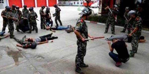 Çin'in Uygur zulmü resmi raporlara girdi! Okurken kanınız donacak...