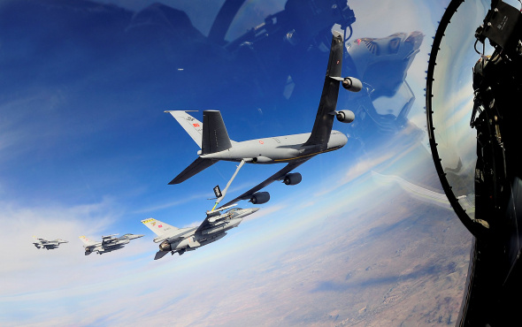 PKK'ya nefes almak yok: F-16'lara havada yakıt ikmali!