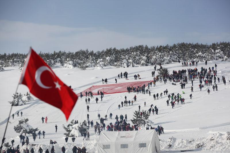 Sarıkamış Harekatı'nın 104. yılında Türkiye şehitlerine yürüyor