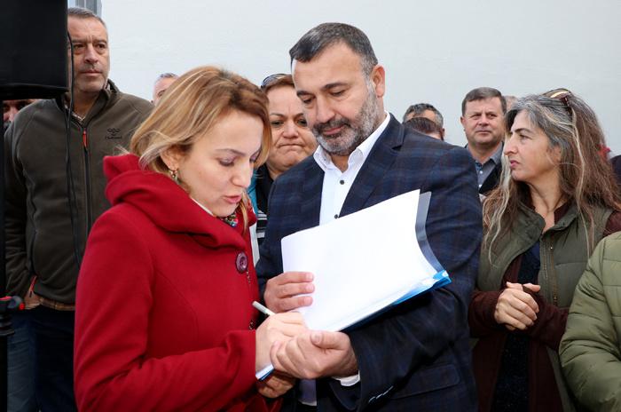 CHP Fethiye başkan adayı 404 kişiyle istifa edip AK Parti'ye geçti