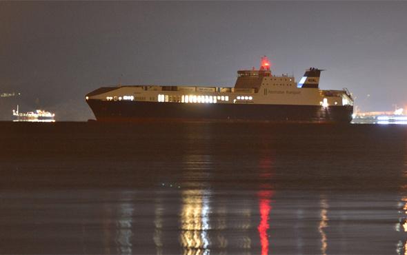 Çanakkale Boğazı'ndaki yük gemisinde yangın!