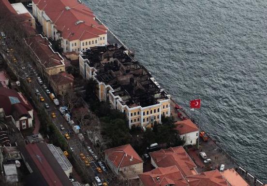 Galatasaray universitesi yangin fotograflari 52
