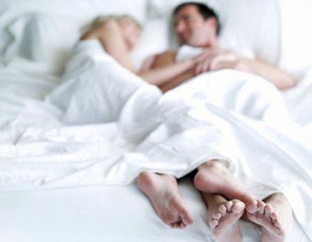 chem-poradovat-muzha-v-posteli