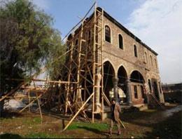 Büyük İzmir yangınından kurtulan tek kilise