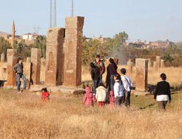 Orhun Abidelerine ziyaretçi akını