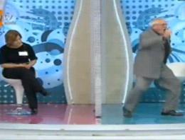 İzdivaç'ta yok böyle dans (video)