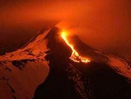 Etna Yanardağı yeniden aktif!