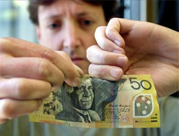 Kağıt para yerine plastik para