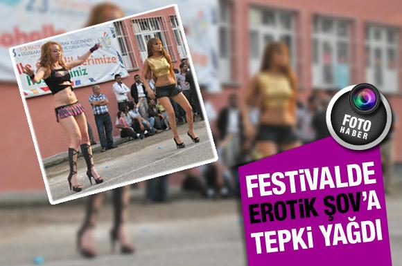Festivalde 'erotik şov' skandalı