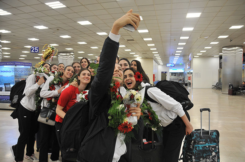 Türk Hava Yolları Bayan Voleybolu A Takımı