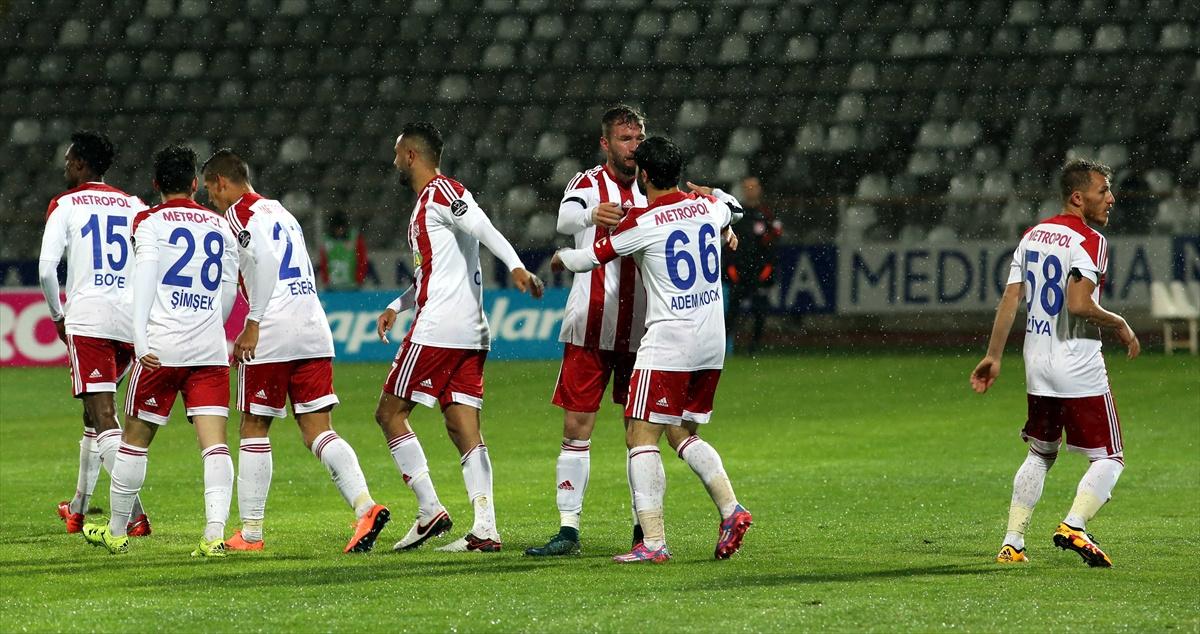 Medicana Sivasspor Kasımpaşa maçı sonucu ve özeti