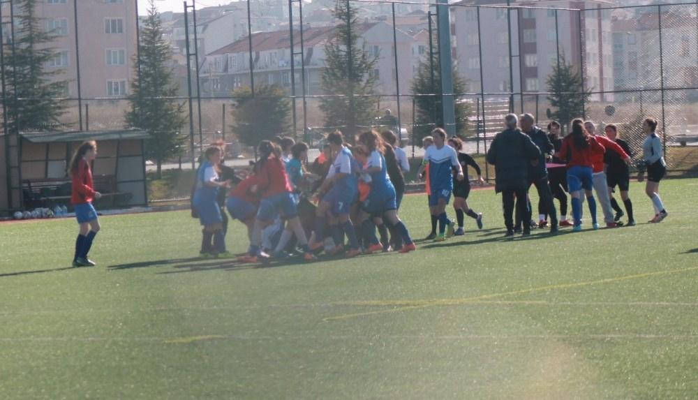 Eskişehir Çamlıca Gençlik Spor Kulübü ve Eskişehir Öncü Spor Kulübü