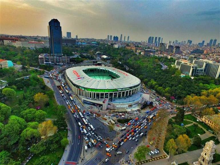 Vodafone Arena kapılarını açtı