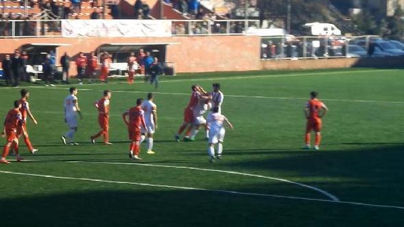 Zonguldak'taki maçta tekme tokat kavga