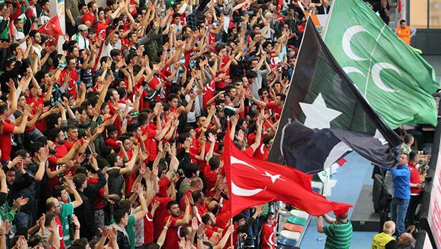 Challenge Kupası Bursa Büyükşehir Belediyespor'un!