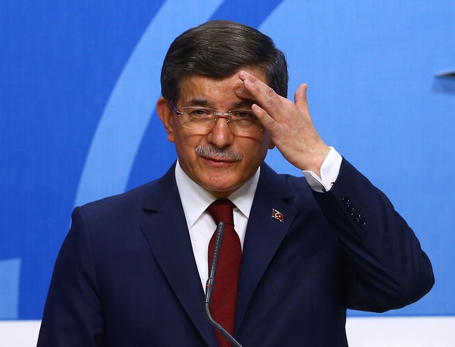 Euronewsten Davutoğlu tweeti: Başbakana ihtiyacı olan ülke var mı 16
