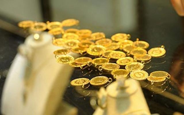 Çeyrek ve gram altın fiyatları ne kadar sorusunun yanıtı Kapalıçarşı'dan geldi. 31 Ağustos 2016 Çarşamba altın fiyatlarındaki güncel son durum internethaber.com'da.