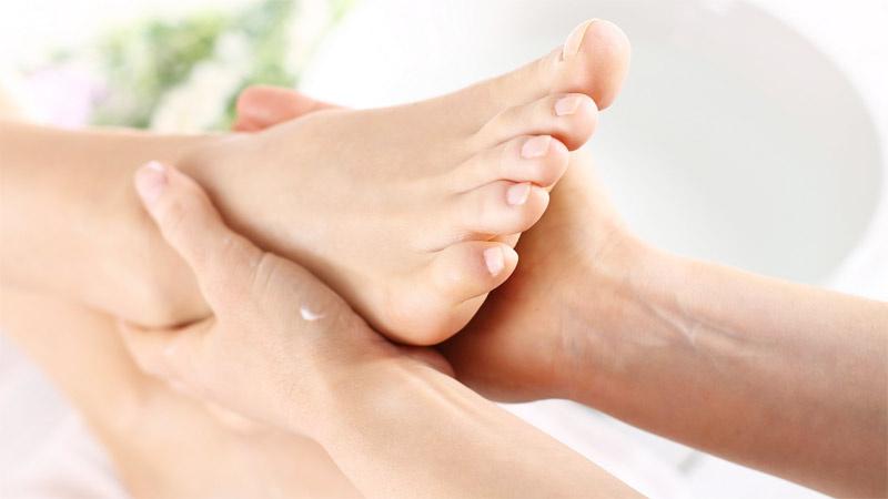 Akşamları neden şişmiş ayaklarınız var