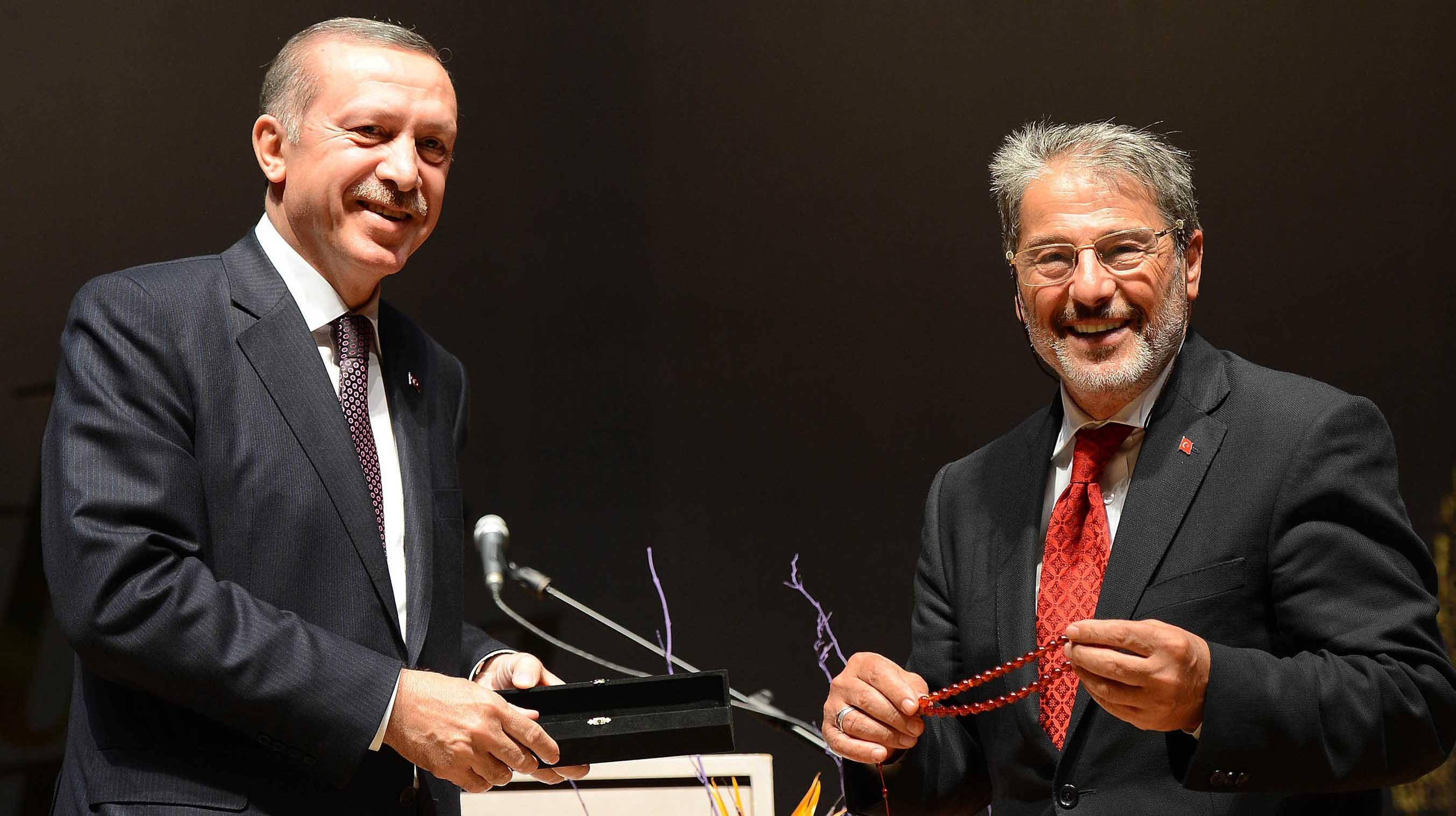 Sadık Albayrak, Erdoğan'ın dünürü olmadan önce 'hoca' olarak tanıdığı bir isimdi.