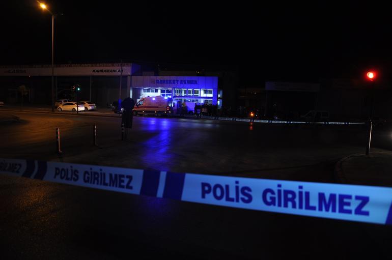 Denizli'nin Pamukkale ilçesinde otomobiliyle kırmızı ışıkta bekleyen işadamı İsa Mintaş, uğradığı silahlı saldırı sonucu hayatını kaybetti.