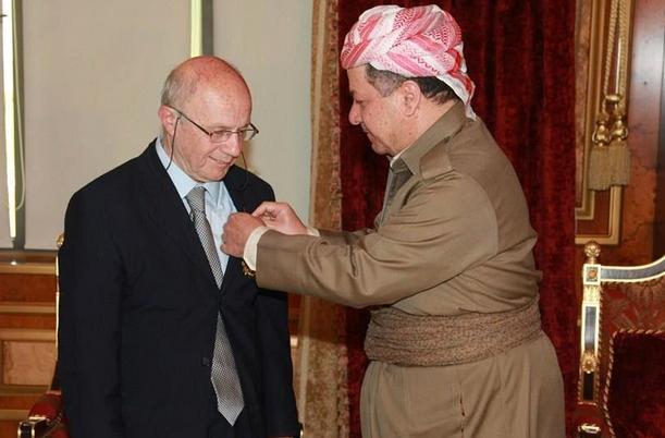 ismail beşikçi kimdir mesud barzani ile resmi