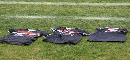 Manisasporlu futbolculardan tarihi protesto