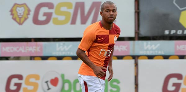 Mariano Galatasaray'a imzayı attı