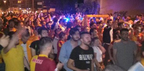 Galatasaray taraftarı Florya