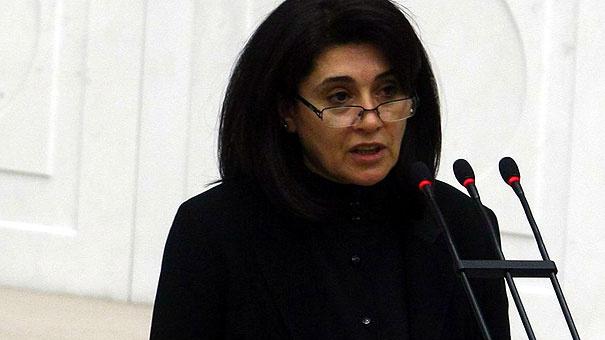 HDP de Leyla Zana depremi 8 kişiyle birlikte...