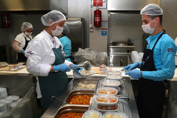 Mersin şehir Hastanesinden Bir Ilk Hastalara özel Barkodlu Yemek