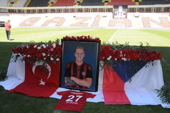 Rajtoral için Gaziantep Arena'da tören