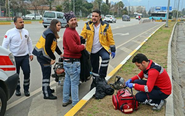 Antalya'da garip olay: Sağlık ekiplerini görünce kalkıp selfie yaptı! - Sayfa 4