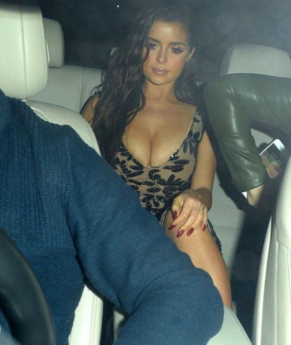 Seksi model Demi Rose, arabasından inerken dekolte kurbanı oldu - Sayfa 4