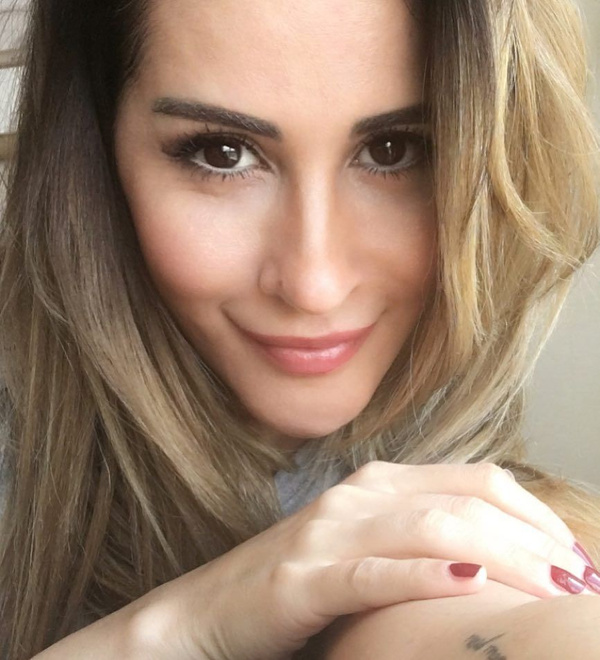Hesabı hacklenen seksi  şarkıcı Aynur Aydın'ın gizli mesaj ve üstsüz fotoğrafları ifşa oldu! - Sayfa 2