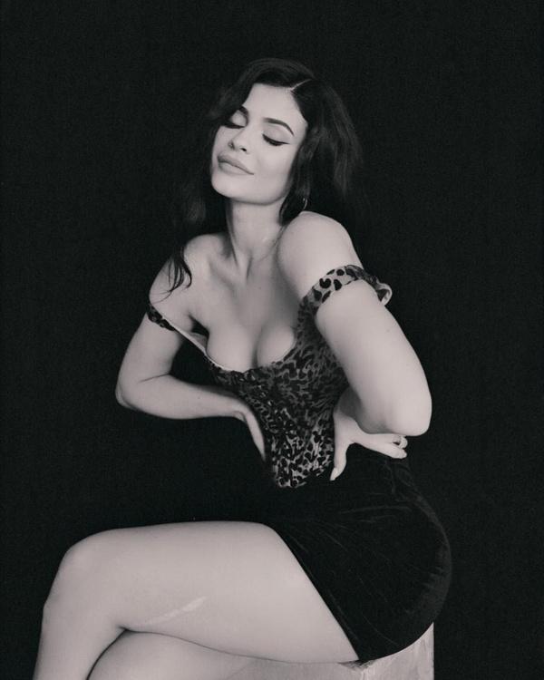 Kylie Jenner, sokağa makyajsız haliyle çıktı; tanımak imkansız - Sayfa 12