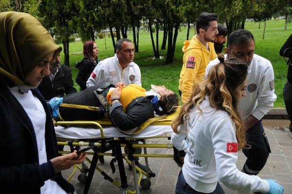 HDP'lilerin izinsiz eylemine polis müdahalesi; milletvekili yaralandı - Sayfa 2