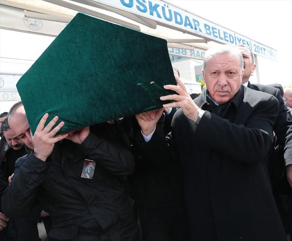 Cumhurbaşkanı Erdoğan'la Ekrem İmamoğlu aynı cenazede saf tuttular - Sayfa 5