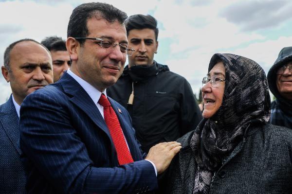 Cumhurbaşkanı Erdoğan'la Ekrem İmamoğlu aynı cenazede saf tuttular - Sayfa 11