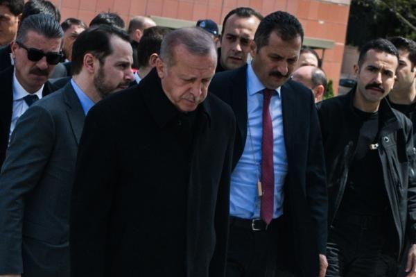 Cumhurbaşkanı Erdoğan'la Ekrem İmamoğlu aynı cenazede saf tuttular - Sayfa 7