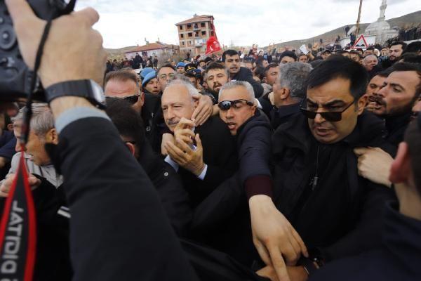 Kılıçdaroğlu'na şehit cenazesinde saldırı! Olay görüntüler - Sayfa 5