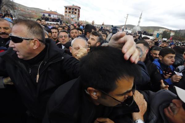 Kılıçdaroğlu'na şehit cenazesinde saldırı! Olay görüntüler - Sayfa 9