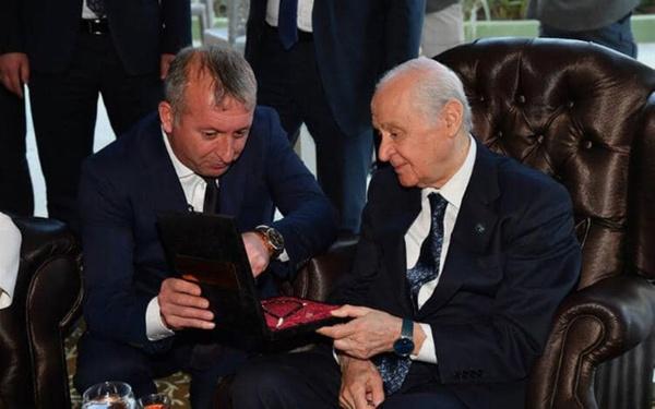 MHP lideri Bahçeli'ye çok özel hediye - Sayfa 2