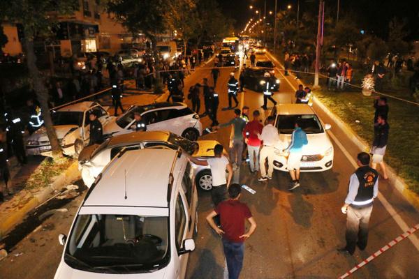 Adıyaman'da 5 aracın karıştığı zincirleme kazada 15 kişi yaralandı - Sayfa 5